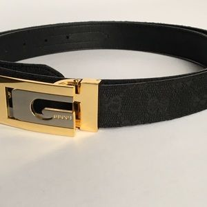 Accessories - Gorgeous black fabric logo belt with gold buckle